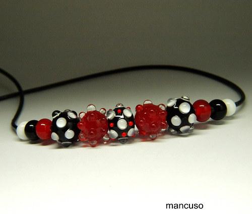 náhrdelník bíločervenočerná