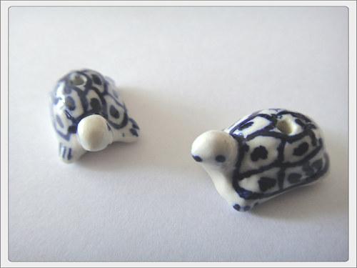 Čínský porcelánový korálek, želva