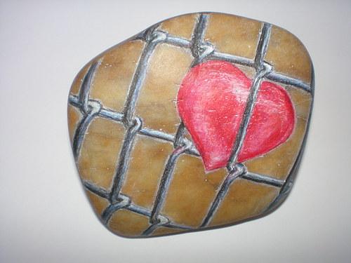 Srdce za plotem ...