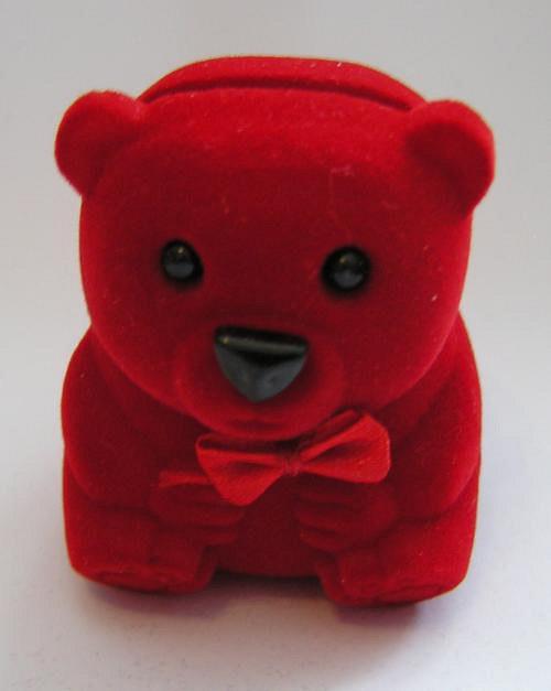 Medvídek červený - sametová krabička na šperky
