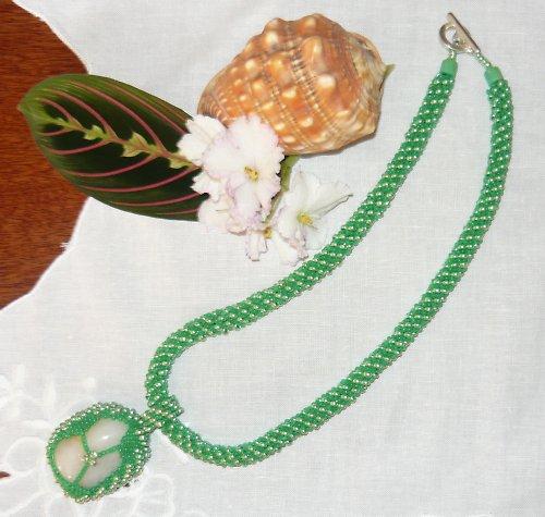 Citrín v zeleném kabátku