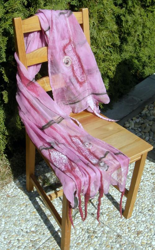 """Růžovo-vínová - z cyklu \""""Malování vlnou\"""""""