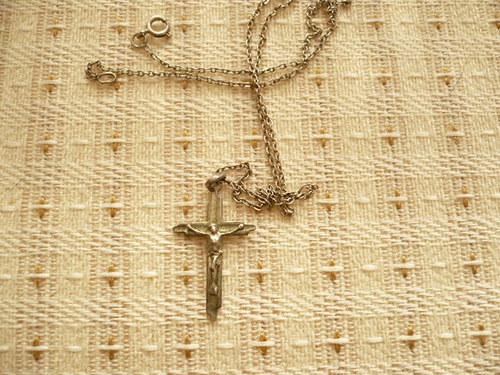 Přívěšek Kristus na kříži a řetízek