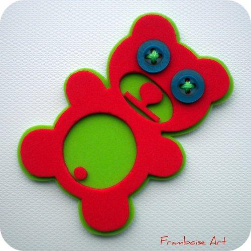 Červeno zelený méďa