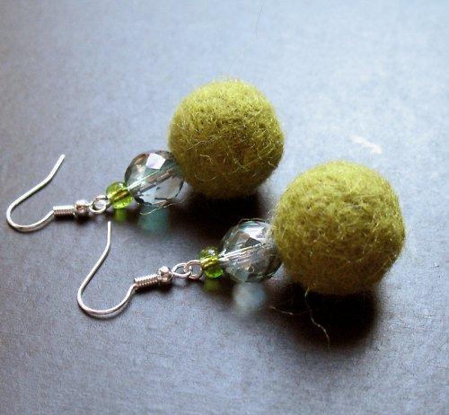 Plyškouška zelená s korálky