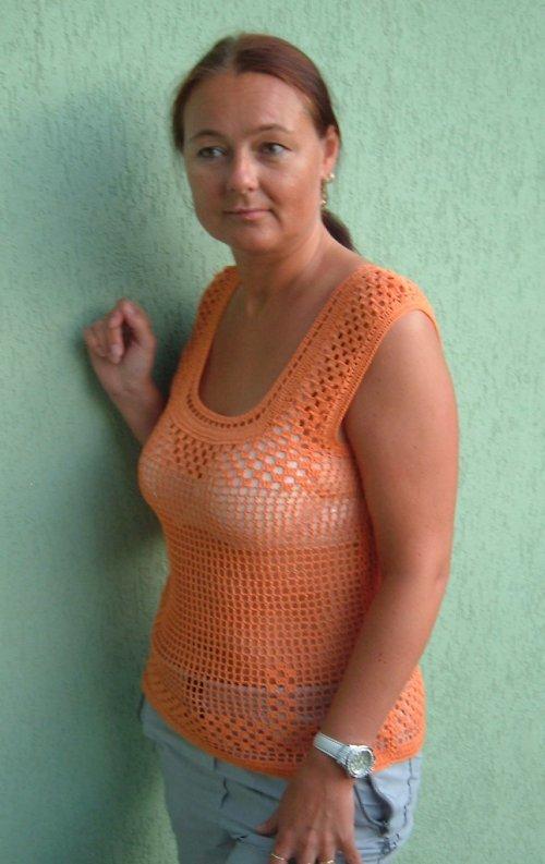 háčkované oranžové tílko