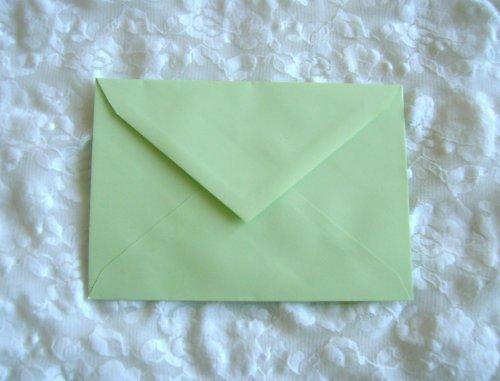 Obálky světlounce zelená