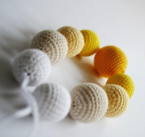 Žlutobílé korále