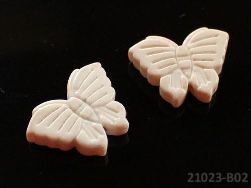 21023-B02 Motýlek z howlitu 27/20, á 1ks