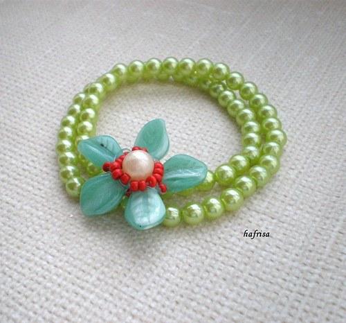 Zelený s kytičkou