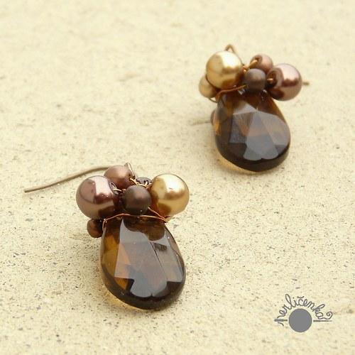 Hnědé perlovky