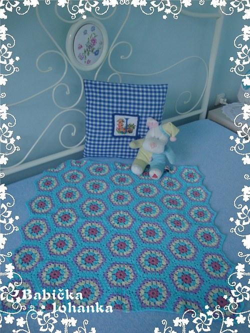 Háčkovaná deka patchwork 4