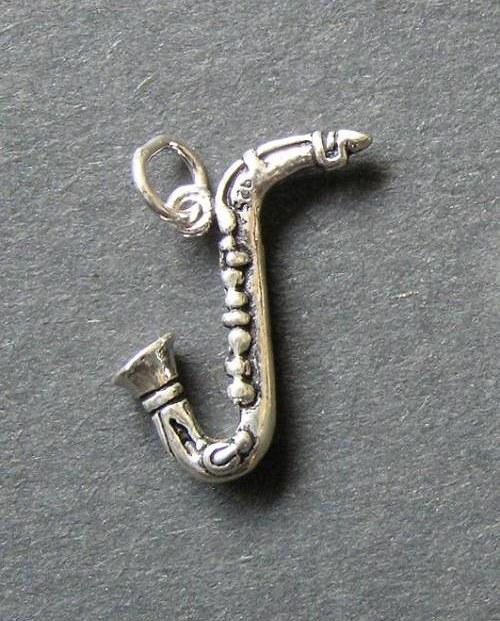 Saxofon - stříbrný přívěšek