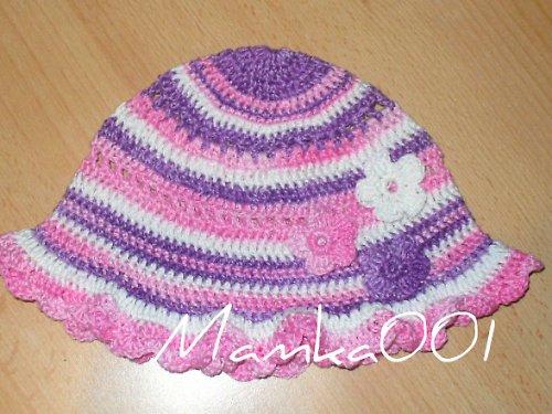 Tříbarevný  klobouček