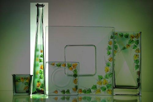 štíhlá váza břečťan