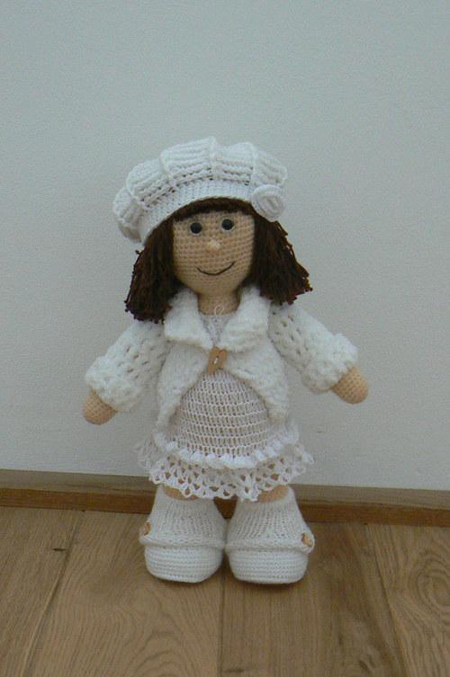 Návod na háčkovanou stojící panenku Alenku