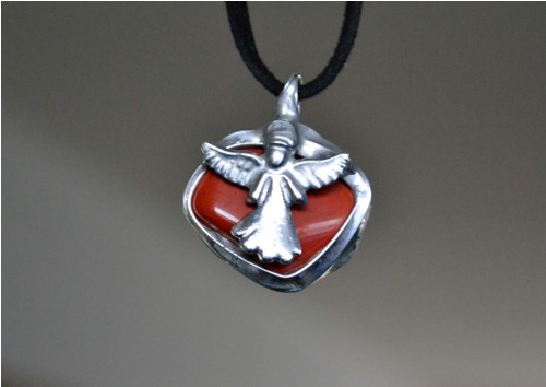 Jaspis červený s andělem