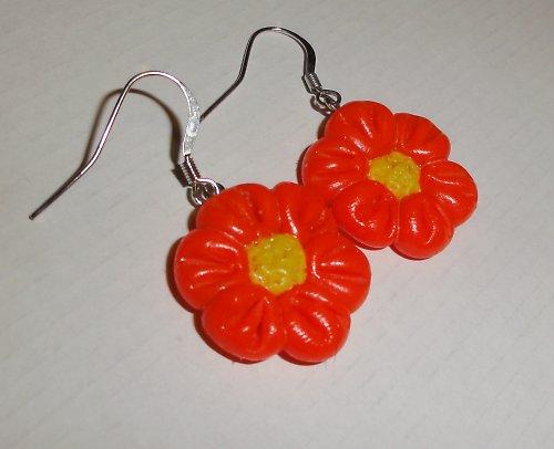 Neonově červené květinky
