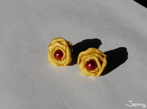 Zlaté ruže s nádychom červenej