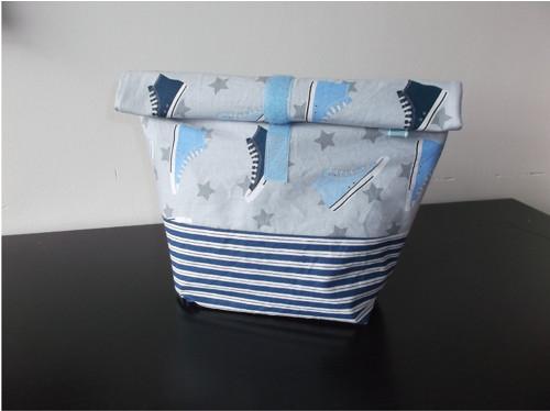Veselá taška nejen na svačinu - modré tenisky