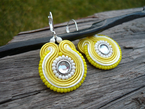 Soutache Náušnice Žluto-bílé mini