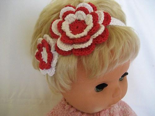 Háčkovaná čelenka s kytkami - červená/bílá/bílá