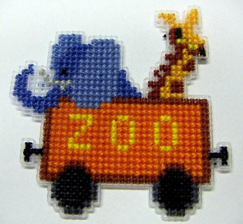 Vyšívaná magnetka - vagón ZOO