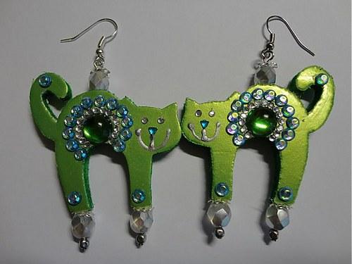 Mačička zeleno-modrá :)