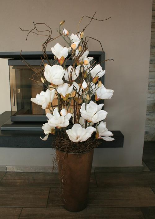 Luxusní dekorace s magnoliemi
