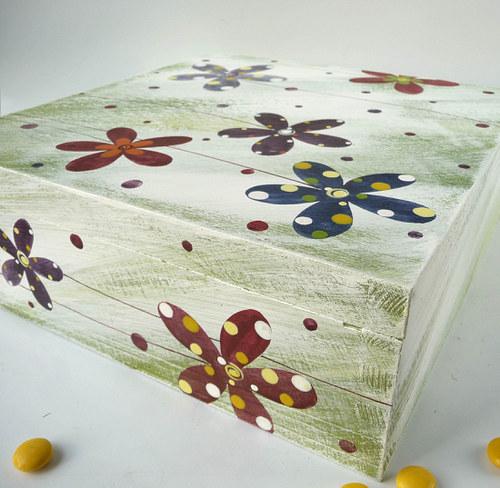 krabice na ponožky - zelenobílá s květy