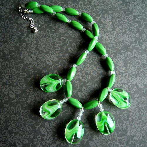 Jarní trávový náhrdelník