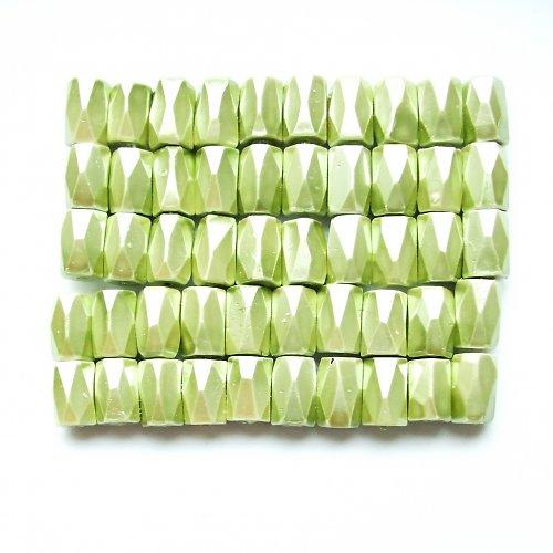 Magnetický hematit světle zelený