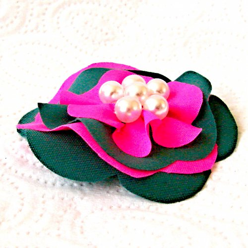 Brož- výrazná s perličkami