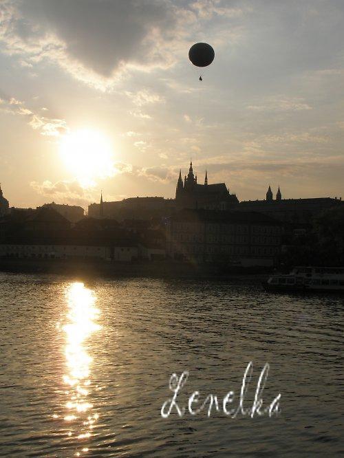 Balón nad Vltavou