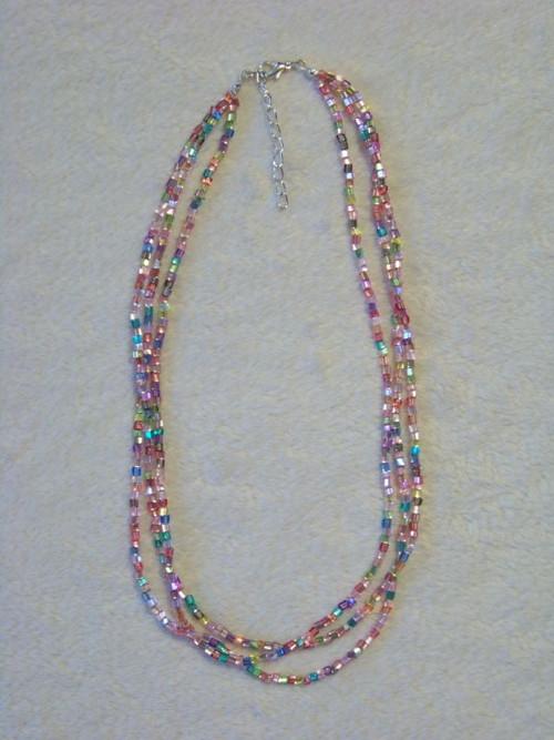 Trojřadý duhový náhrdelník IV.