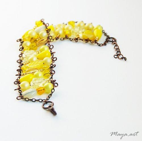 Žlutý ketlovaný náramek