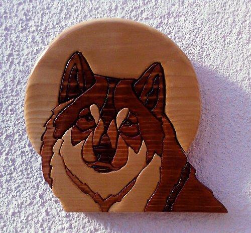 Vlk - intarzie na zeď