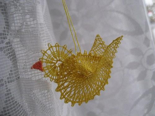 Ptáček - paličkovaný  3D  - žlutý
