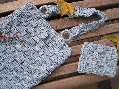 Modrá pletená kabelka