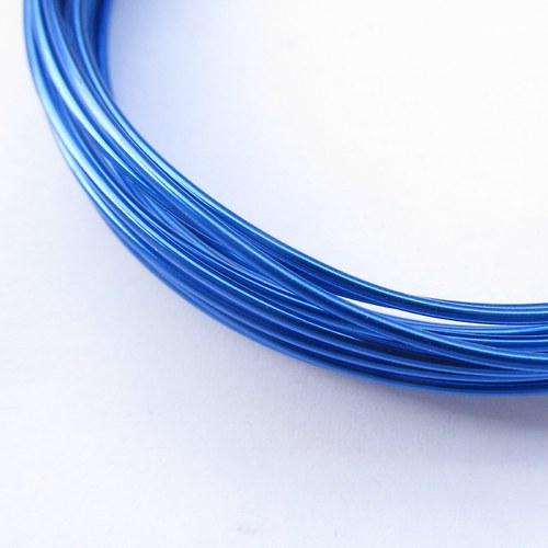 Drátek tmavě modrý- ⌀ 1,5 mm, návin 5 metrů.