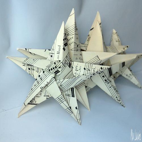 Papírové origami hvězdy ze starých not  10 kusů