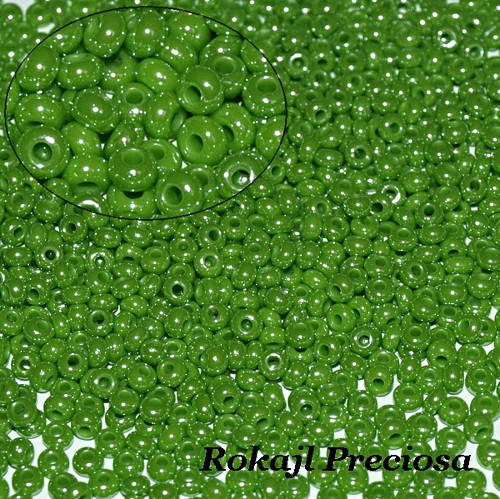 Rokajl Preciosa 8/0, Lustered Green Grass
