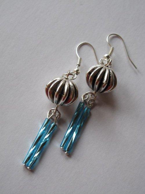 Modro-stříbrné nášnice