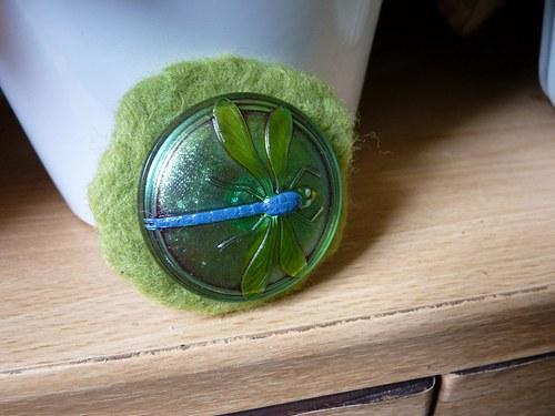 Vážka jenom zelenavá-brož kdyby šel kolem kominík