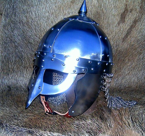viking jarl (přilba)