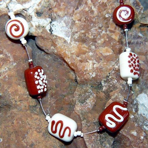 Náhrdelník - čokoládové pralinky - vinuté perle