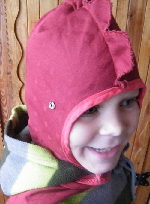 Rytířská helma a plášť - střih