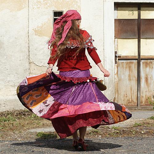 Eržika....brokátová maxi sukně