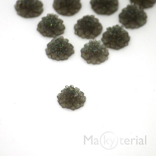Šedá se třpytkami chryzantéma kabošon - 2ks