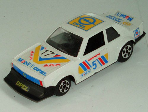 POLISTIL - Opel Ascona 400 - 1:40 - 80.tá léta